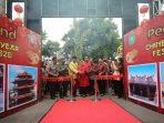 Walikota Madiun saat membuka Pecelland Chinese New Year Festival di Jalan Batanghari Kota Madiun