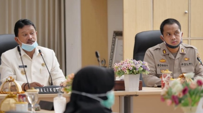 Wali Kota saat rakor pembentukan Kampung Tangguh di Kota Madiun, Rabu (27/05/2020). (FB-Pemkot Madiun)