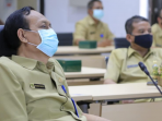 Sekda Kota Madiun Rusdiyanto saat mengikuti Video Conference