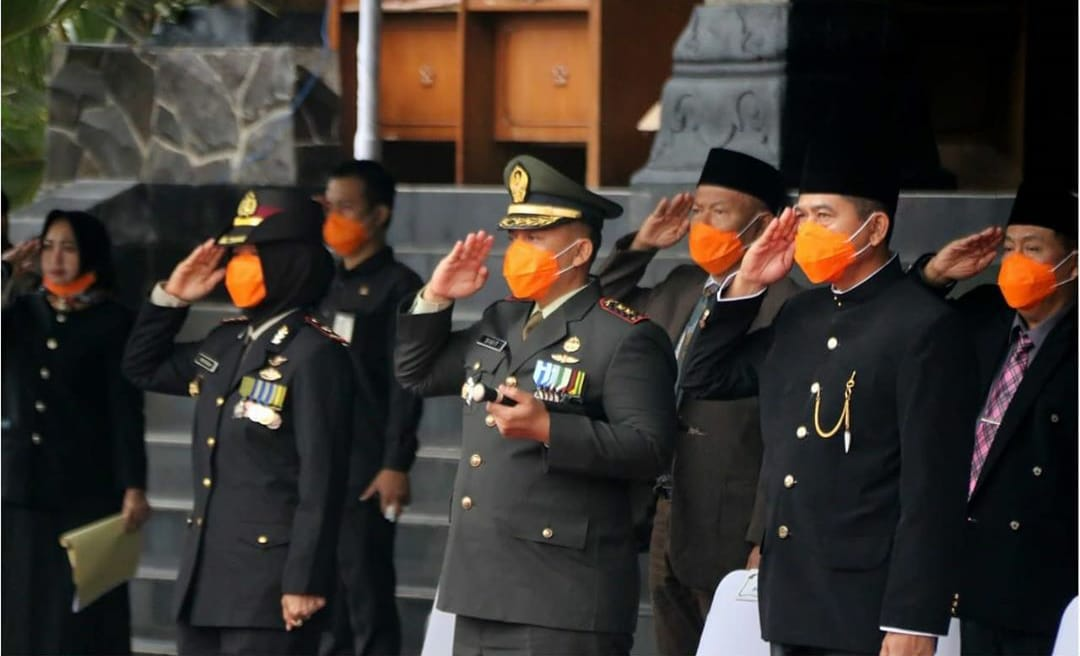 Ketua DPRD Ponorogo saat mengikuti Upacara Bendera HUT Provinsi Jawa Timur