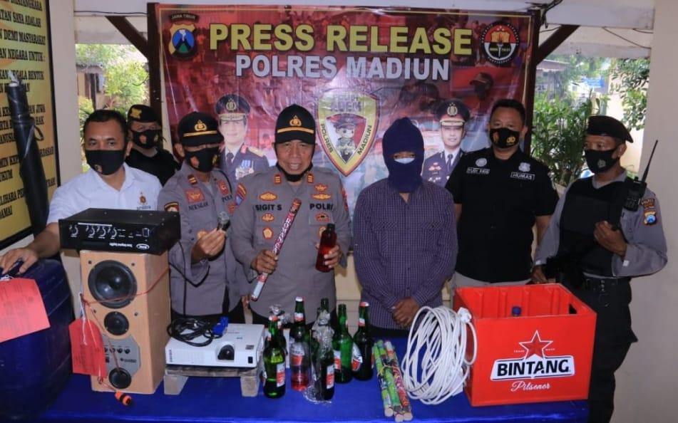 Polres Madiun tangkap warga yang sengaja merayakan pesta pergantian tahun di tangah Pandemi