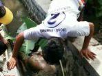 Warga Kertosari Menemukan sesosok mayat di Selokan Air
