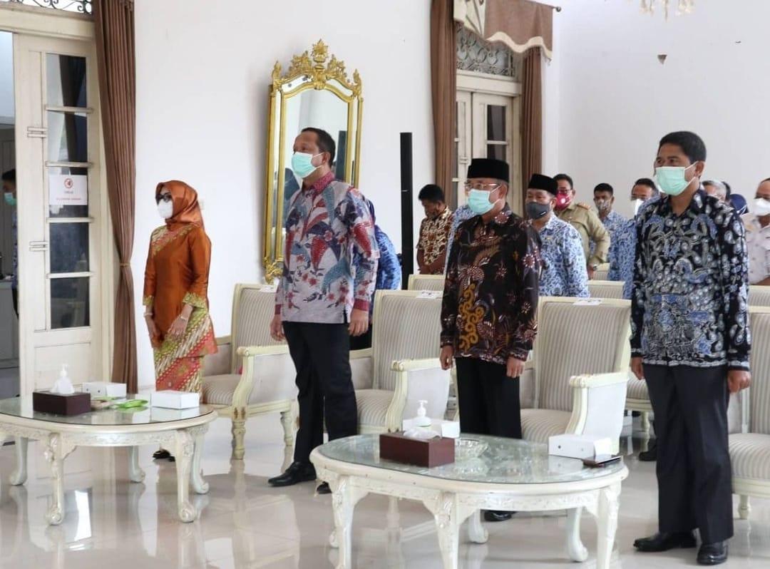 Ketua DPRD Ponorogo saat menghadiri Serah Terima Jabatan Bupati dari Ipong Muchlissoni ke Plh Agus Pramono