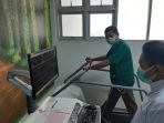 Ketua DPRD mencoba Layanan Treadmill SMF Kardiologi di RSUD Dr Harjono