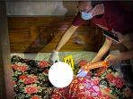 Tuminah, Warga Desa Kesugihan Pulung meregang nyawa setelah dicangkul Cucunya sendiri karena kambuh Gangguan Jiwanya. (Yahya AR/Madiunraya.com)