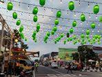 Lampion di Jl HOS Cokroaminoto Ponorogo semakin mempercantik wajah Kota Reyog