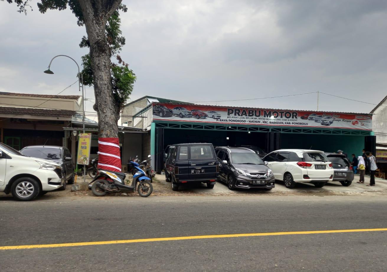 Prabu Motor yang terletak di Babadan Ponorogo selalu ramai dikunjungi Penjual maupun Pembeli. (Yahya AR/Madiunraya.com)