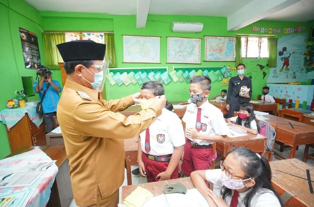 Wali Kota Madiun akan memberikan Seragam bagi para Pelajar di Kota Madiun