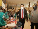 Bupati Sugiri Sancoko memberikan semangat kepada Vaksinator. (Yahya AR/Madiunraya.com)